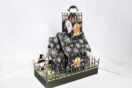 "Spooky Halloween House by Michelle Zerull for #EchoParkPaper featuring the ""I Love Halloween"" collection!"